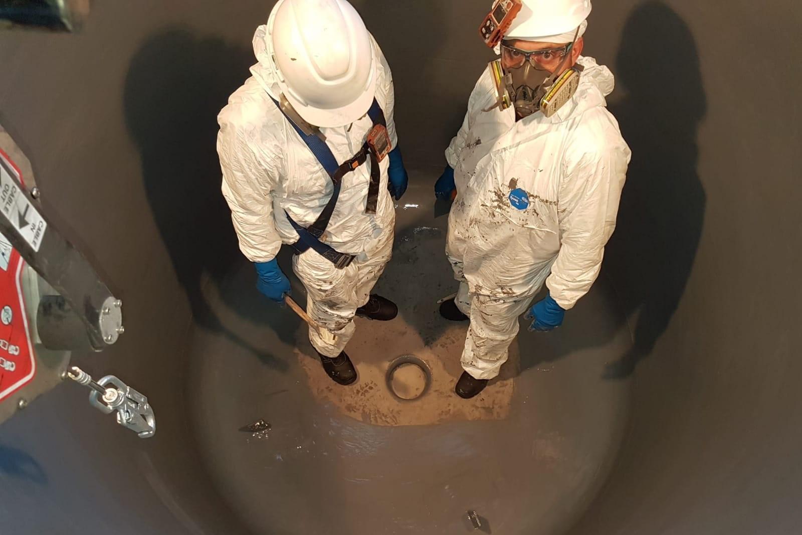 14. Nuovo lining interno reattore con Belzona 1392
